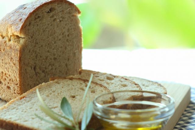 オリーブオイル、パン、まずい