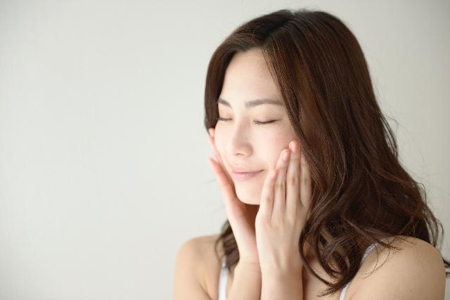 オリーブオイルを顔に塗ることで保湿